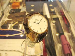 ダニエルウェリントン ダッパー 腕時計