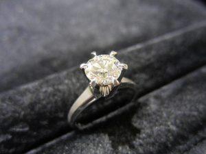 ダイヤモンド「ダイヤルース 1.00ct」買い取りました!
