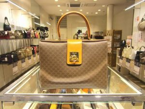 セリーヌ「【訳あり】マカダム ハンドバッグ」買い取りました!